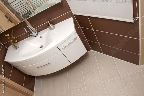 modernes badezimmer exklusiv stockfotos und lizenzfreie. Black Bedroom Furniture Sets. Home Design Ideas