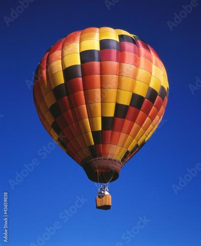 heissluftballon bunt stockfotos und lizenzfreie bilder auf bild 43659838. Black Bedroom Furniture Sets. Home Design Ideas