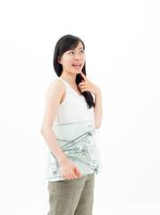 体重計を持つ女の子
