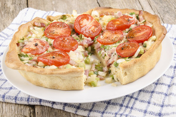 vegetable and bacon quiche with tomato