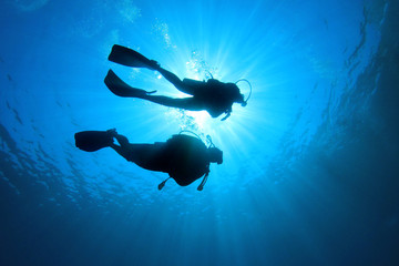 Poster Diving Couple Scuba Diving together