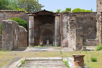 Pompei interior court