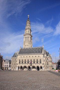 la place du beffroi à Arras