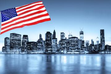 Fotomurales - New York skyline et drapeau des Etats-Unis.