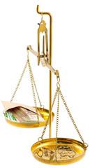 balance, bijoux, pépites d'or, liasse de billets