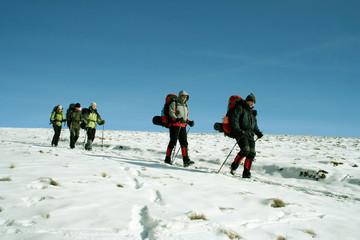 Poster de jardin Alpinisme Winter hike.