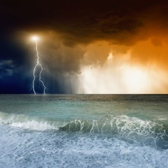 Fototapete - Lightning in sky, sea