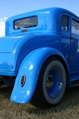 blauer Oldtimer