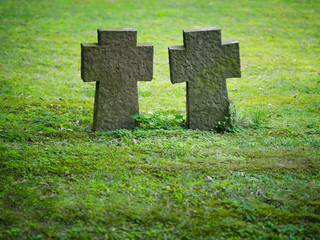 Grabmale auf dem Friedhof