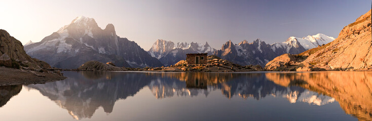 Poster de jardin Lavende Monte Bianco e Alpi riflesse nel Lago Bianco