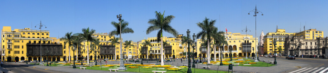 Panorama der Plaza de Armas in LIma