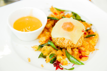 Deep-fried Shrimp with fried egg and sweet sauce