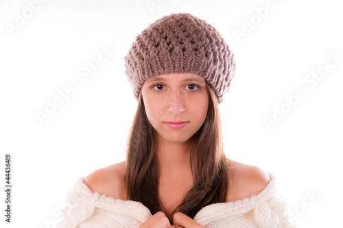 jolie femme avec un bonnet d 39 hiver photo libre de droits sur la banque d 39 images. Black Bedroom Furniture Sets. Home Design Ideas