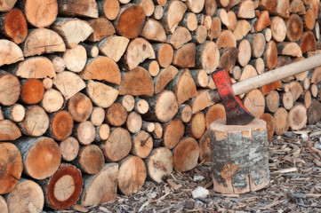 Photo sur Aluminium Texture de bois de chauffage ascia e legna spaccata e accatastata