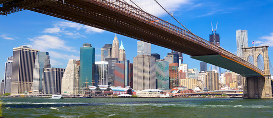 Brooklyn Bridge and Lower Manhattan skyline panorama, New York