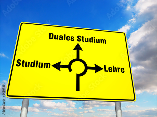 Wegweiser Duales Studium Stockfotos Und Lizenzfreie Bilder Auf Bild 44507814