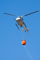 Elicottero antincendio. Helicopter fire fighting
