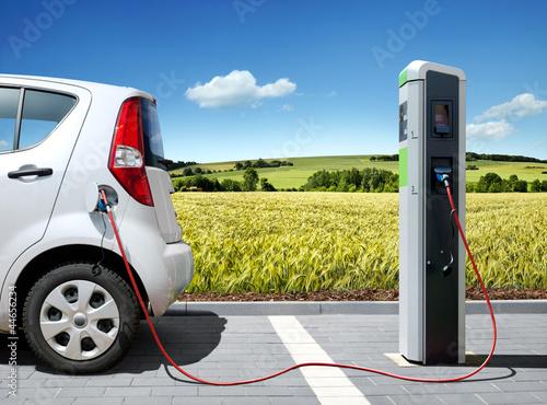 Купить пуско-зарядные и зарядные устройства- Москва.