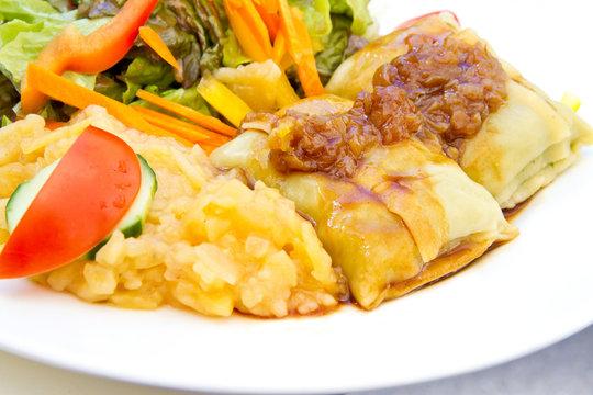Maultaschen mit Salat