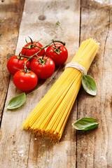 Spaghetti and tomatoes with copyspace