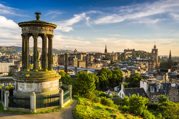 Beautiful view of the city of Edinburgh Fototapete