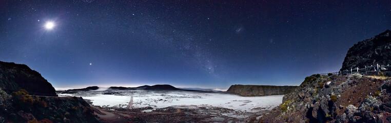 Papiers peints Pleine lune Nuit glaciale à la Plaine des Sables - Réunion