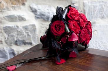 bouquet de rose rouge et noir
