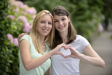 lesbian couple n love