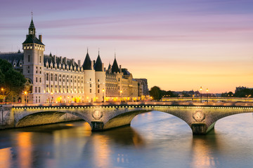 Canvas Print - Paris, Conciergerie