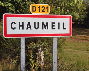 Panneau de signalisation de Chaumeil (Corrèze)