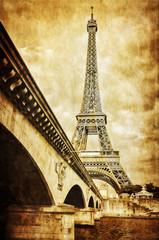 Wall Mural - Eiffel tower vintage retro view from Seine river, Paris