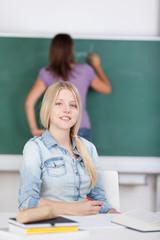 studentin im unterricht