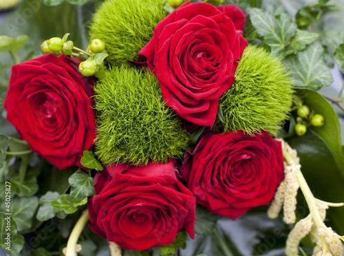 Bouquet De Fleurs Roses Rouge Stock Photo And Royalty Free Images