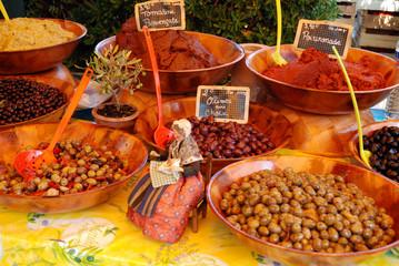 Marché de Boulouris: olives