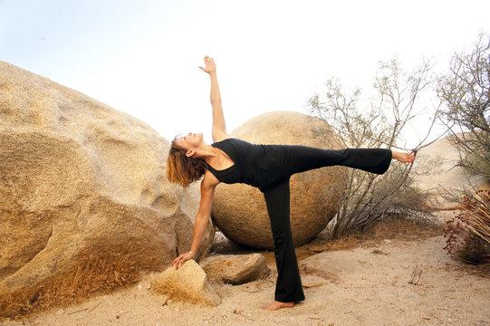 Yoga Ardha Chandrasana