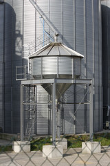 silos agriculture buildings