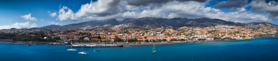 Funchal capital city of Madeira view from the sea Fototapete