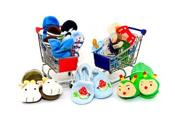 Einkaufswagen mit Babysachen