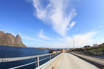 Bridge to Sakrisøy