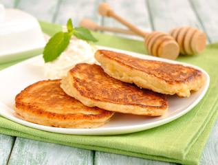 Pancakes on a green napkin