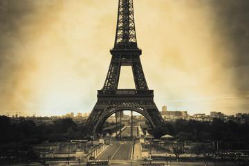 Papiers peints Rouge, noir, blanc Eiffel Tower sepia vintage/retro style