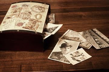 vecchia scatola piena di ricordi