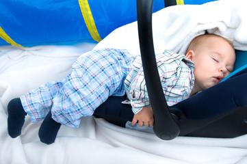 Baby beim Mittagsschläfchen