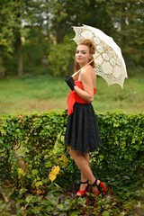 femme et parapluie