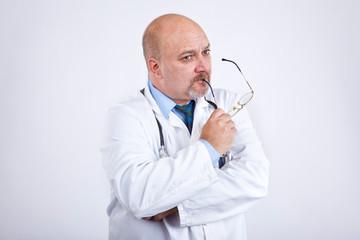 Doktor grübelt