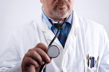 Arzt will Abhören