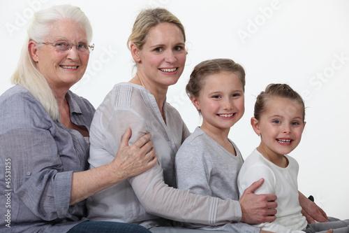 Пожилые и молодые