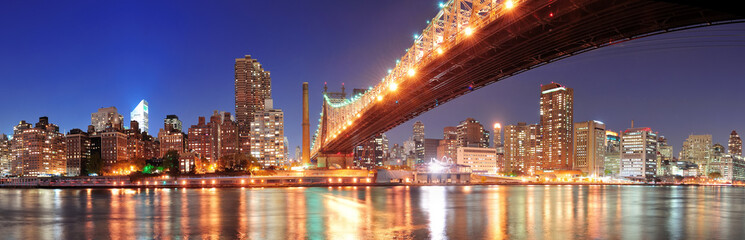 Fototapete - Queensboro Bridge and Manhattan