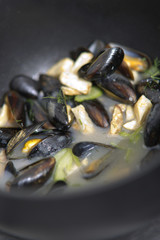 Recipe photo of mussels in a cooking pot