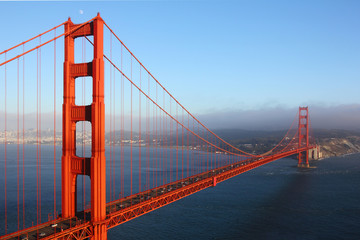 Golden Gate Bridge im Abendlicht